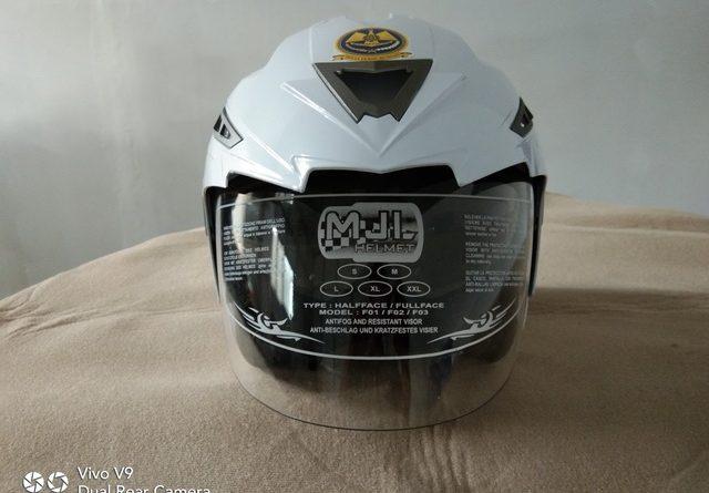 pabrik helm